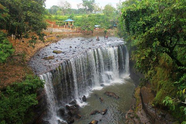 Pesona Air Terjun Temam, Niagara Kecil di Sumatera Selatan