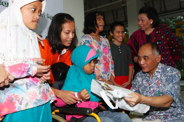Grup Sriboga Raturaya Hibur Anak-Anak Berkebutuhan Khusus di Momen Ramadhan