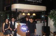 Abuella Café Hadir di Floating Castle Lifestyle & Eatery