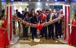 AirAsia X Indonesia Terbang Perdana dari Bali - Mumbai