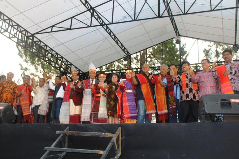 Festival Danau Toba Membangun Kebersamaan Untuk Pengembangan Pariwisata