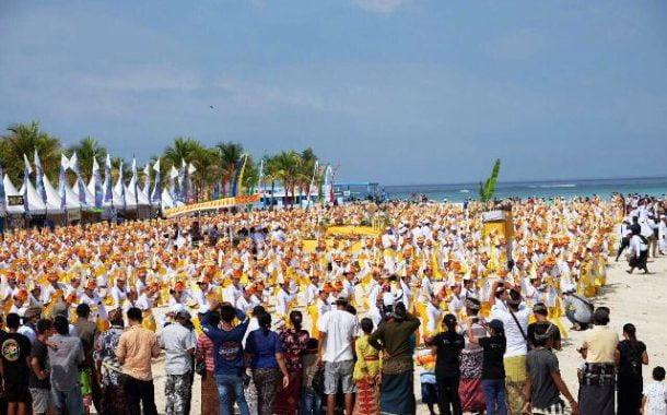 Sebanyak 1.500 Penari Sajikan Show Spektakuler di  Festival Nusa Penida