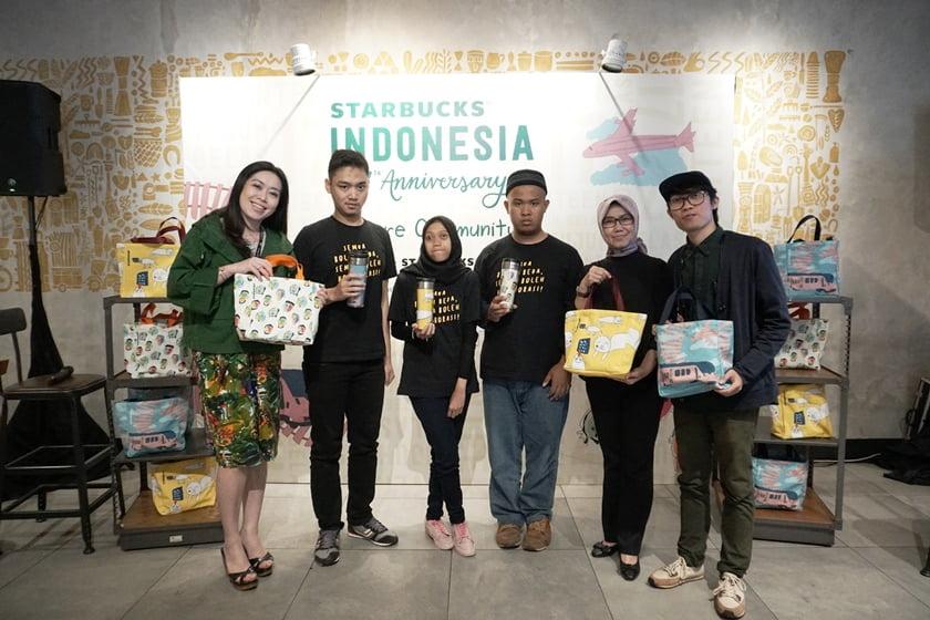 Starbucks Rayakan 17 Tahun di Indonesia Dengan Merchandise Terbarunya
