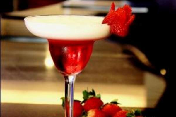 Minuman Merah Putih Semarakkan Dirgahayu RI  di Aston Pluit Hotel & Residence - Jakarta