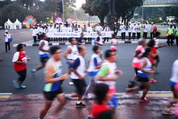 Beragam Seni Budaya Warnai Jakarta Marathon 2013