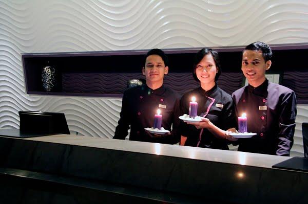 Hotel Aston Primera Pasteur Lakukan Aksi Earth Hour