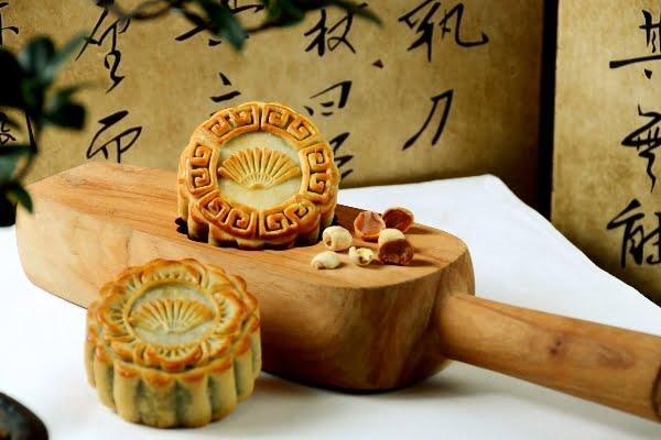 Nikmati Variasi Mooncake Klasik di Hotel Mandarin Oriental Jakarta