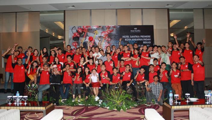 HUT Ke-2 Hotel Santika Premiere Kota Harapan Indah Usung Formula 1