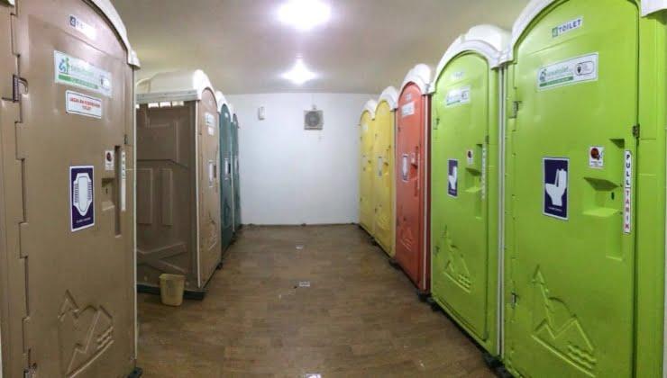 Ada Toilet Warna Warni di Bandara Adisutjipto