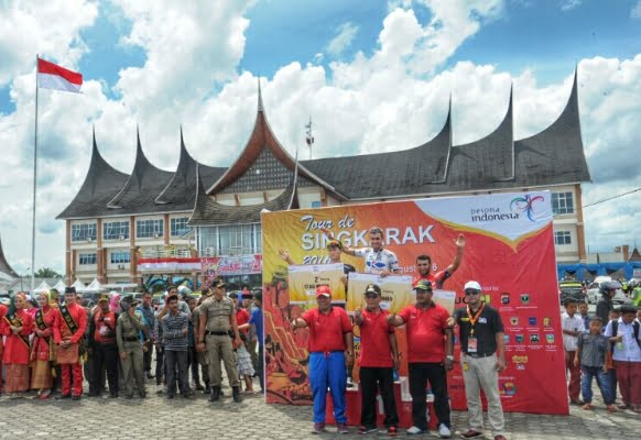 Pembalap Spanyol Juarai Etape 3 TdS di Kabupaten Pasaman Barat