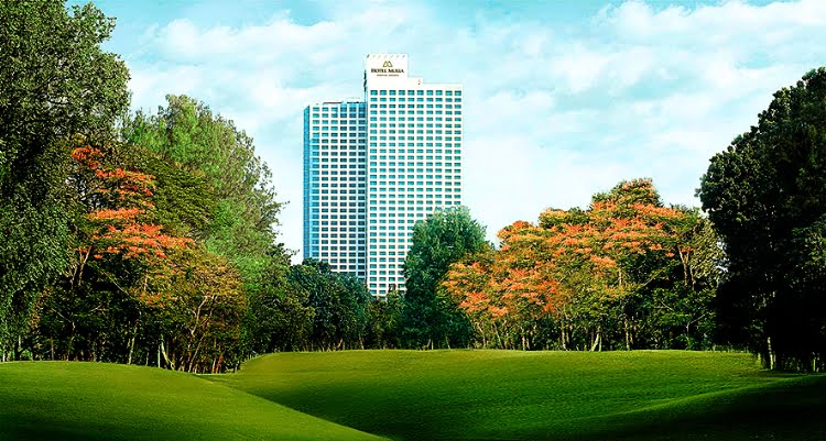 Sepanjang Oktober, Hotel Mulia Jakarta dan Bali Bernuansa Pink