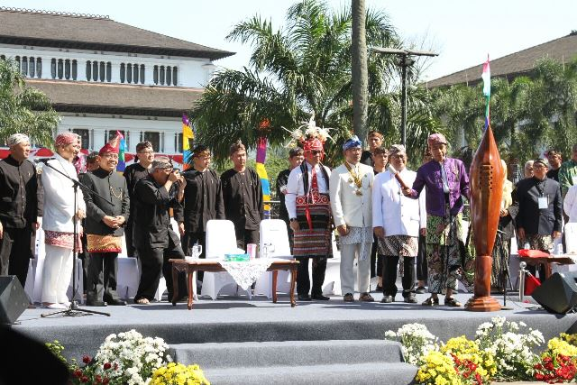 Bandung Meriah di Karnaval Pesona Kemerdekaan 2017