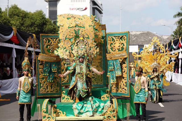 Jember Fashion Carnaval 2017 Kembali Digelar Untuk Ke-16 Kalinya.