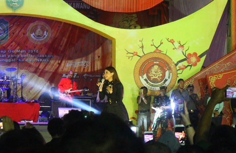 Rossa Meriahkan Festival Imlek dan Cap Go Meh Kota Singkawang