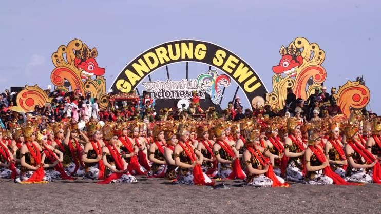 Pagelaran Tarian Kolosal Gandrung Sewu Hadirkan 1.300 penari