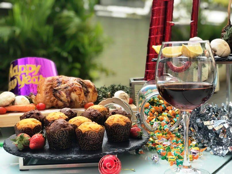 HARRIS Hotel Kelapa Gading Sambut 2019 dengan Festive Dinner Buffet