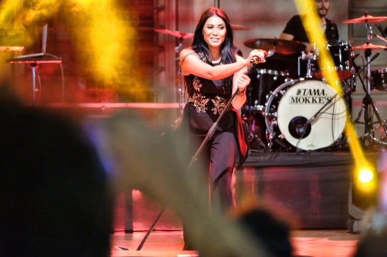 Tiga Konser Anggun Sold Out di Bologna Italia