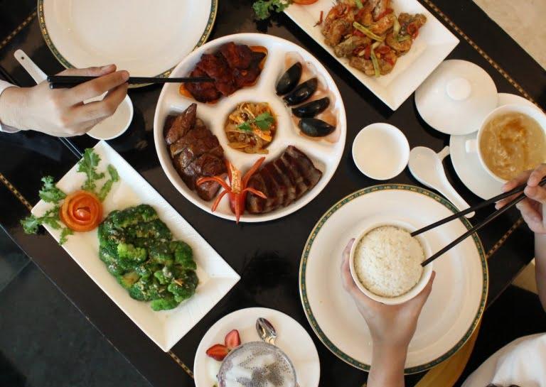 Keceriaan Imlek di Yan Palace Chinese Restaurant