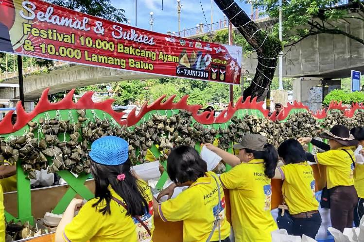 Festival Bakcang dan Lamang Baluo Satukan Kuliner Tionghoa dan Minang