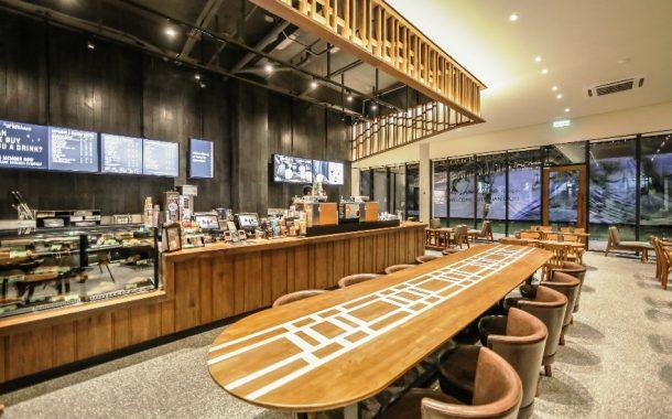 Starbucks Ganti Sedotan Plastik dengan Sedotan Kertas