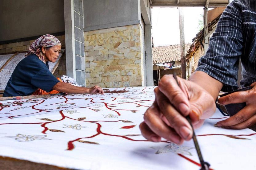 pekerja batik