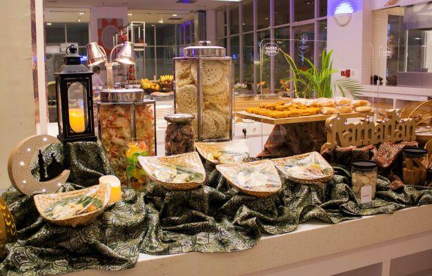 HARRIS Hotel & Conventions Kelapa Gading Menyambut Ramadan