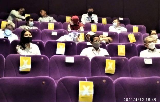kembali ke bioskop12