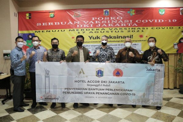 Hotel-hotel Accor Greater Jakarta Serahkan seratus ribu Masker
